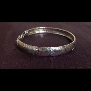Jewelry - 7 inch bracelet